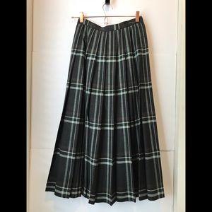 Dresses & Skirts - Vintage Wool Jaeger Skirt